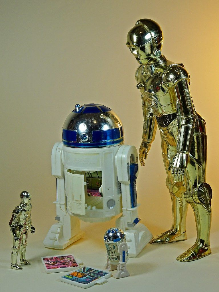 Kenner Star Wars C-3PO and R2-D2 action figures