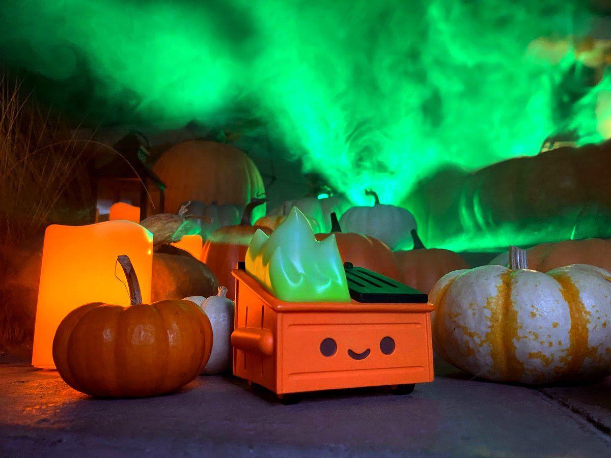 100% Soft Dumpster Fire Magical Pumpkin Trash Edition Vinyl Figure